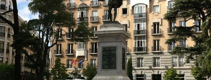 Plaza de las Cortes is one of Lugares.
