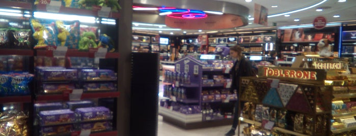 Madrid Duty Free T1 is one of Transportes, Viajes, etc..