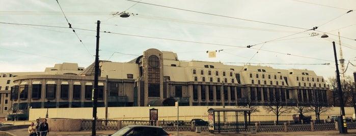Заброшенный отель класса люкс «Северная корона» is one of Интересное в Питере.