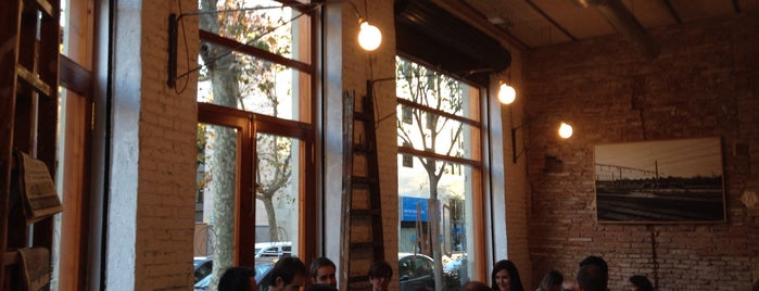 OMA Bistró is one of Wifi places in Barcelona.