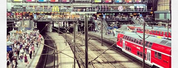 Hamburg Hauptbahnhof is one of Bahnhöfe Deutschland.