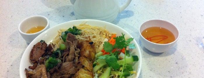Golden Turtle Restaurant (Pho Rua Vang) 金龜越南餐廳 is one of Kitchener.