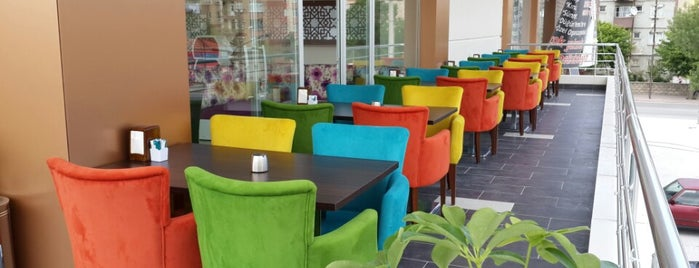 Nutrex Cafe & Patisserie is one of Konya'da Café ve Yemek Keyfi.