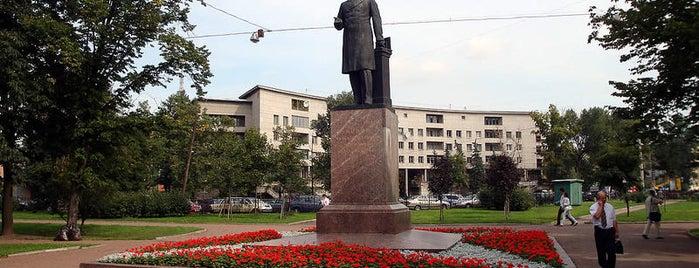 Памятник Попову is one of Закладки IZI.travel.