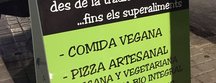 Dolce Pizza & Los Veganos is one of SAGRADA FAMILIA.