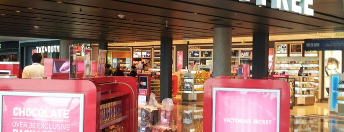 Duty Free Shop is one of LUGARES VISITADOS.