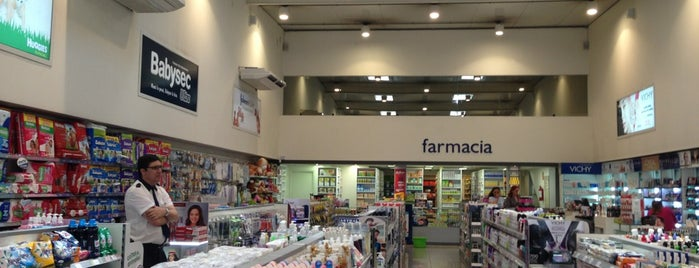 Farmashop 3 is one of Paris.