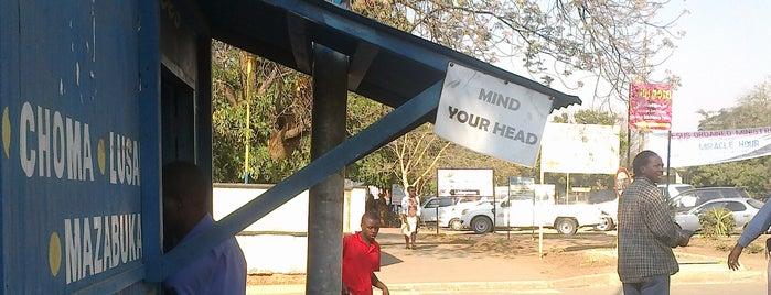 Mazhandu Family Bus Services Station Livingstone is one of Zambiya Victoria Selalesi.