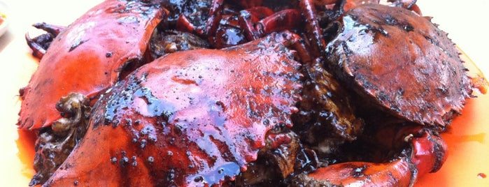Eng Seng Restaurant (永成餐室) is one of The 15 Best Places for a Crab in Singapore.