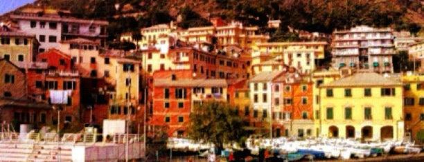 Porticciolo di Nervi is one of √ Best Tour in Genova.