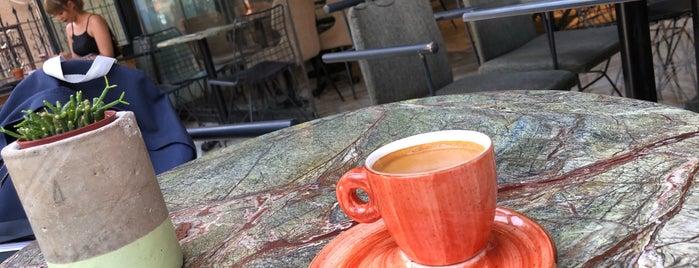 Case Cake&Coffee is one of İzmir.