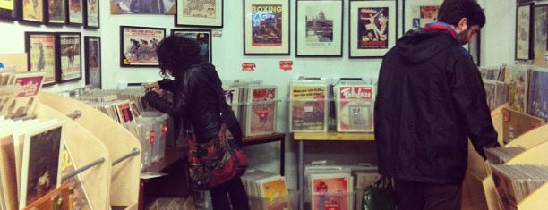Vintage Magazine Shop is one of Hipster London.