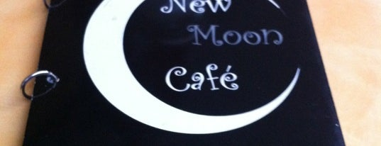 New Moon Café is one of Azcapunk.
