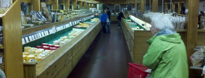 Heini's Cheese Chalet is one of Amish Country Foodie Tour.