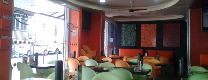 Boomerang Mix is one of Empresas e Estabelecimentos de Botafogo RJ.