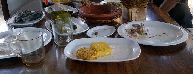 Ibu Haji Cijantung is one of Kuliner Purwakarta.
