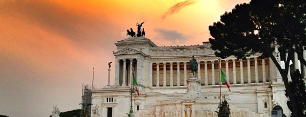 Piazza Venezia is one of Rome 9 Jan - 12 Jan.