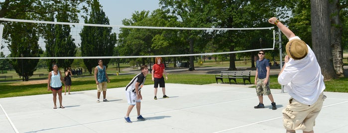 Flushing Meadows Corona Park Volleyball Courts is one of parks.