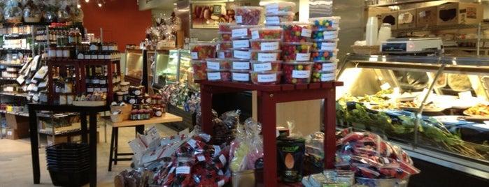 Cook's Fresh Market is one of Bitchen Sandwichin.