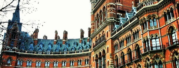 London St Pancras International Railway Station (STP) is one of Railway stations visited.