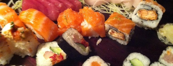 Edô Sushi Bar is one of Henri's TOP Japanese Food.