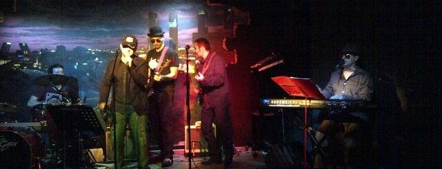 Aperitoche Bar Concierto is one of Música en directo.