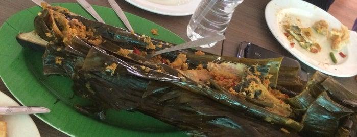 Ikan Bakar Bambu Haur is one of jihan.