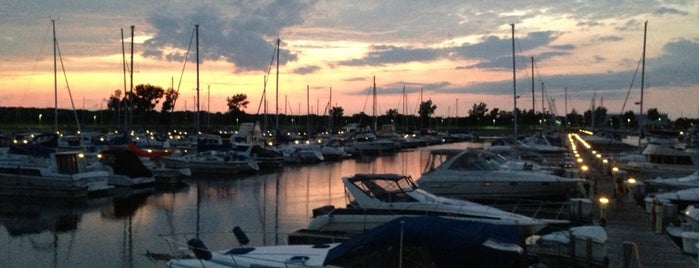 Northpoint Marina is one of Illinois: State and National Parks.