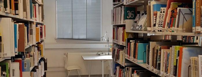 KASB Arkitektskolens Bibliotek is one of Biblioteker København.