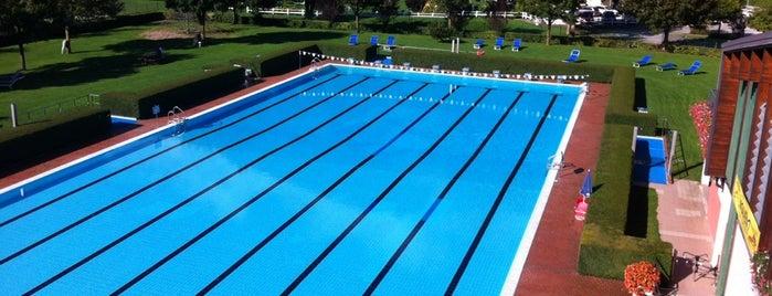 Piscina Lago Molveno is one of Sport.