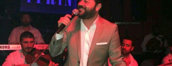"""Vitrin Club is one of """"Renk Renk"""" Eğlence Mekanları."""