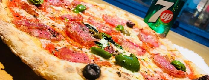 Bros. Pizza is one of Exotische & Interessante Restaurants In Wien.