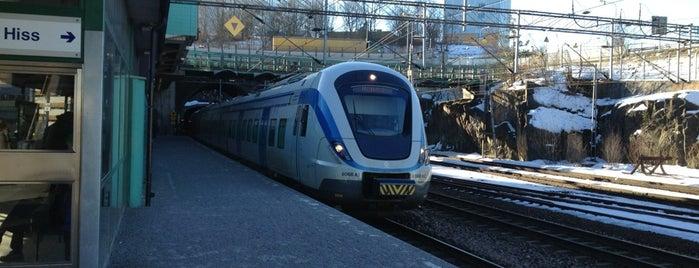 Solna (J) is one of SE - Sthlm - Pendeltåg.