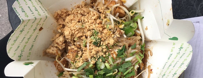 the 9 best places for pad thai in calgary. Black Bedroom Furniture Sets. Home Design Ideas