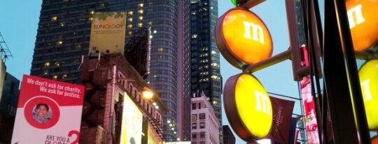 """M&M's World is one of """"Be Robin Hood #121212 Concert"""" @ New York!."""