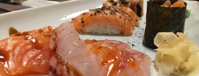 Cru Sushi Bar Lounge is one of Restaurantes (Grande Porto).
