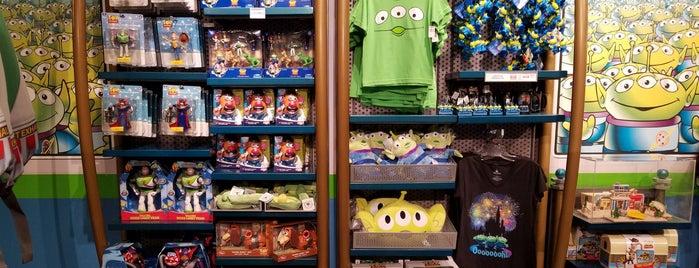 Little Green Men Store Command is one of Disneyland Shops.