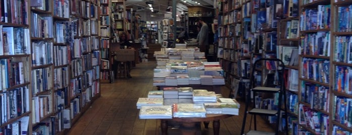 Topping & Company Booksellers is one of To Shop (Books).