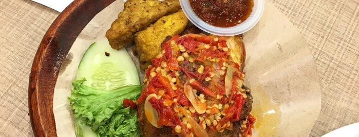 Dapur Penyet is one of jalan2 cari makan seksyen 13 shah alam.