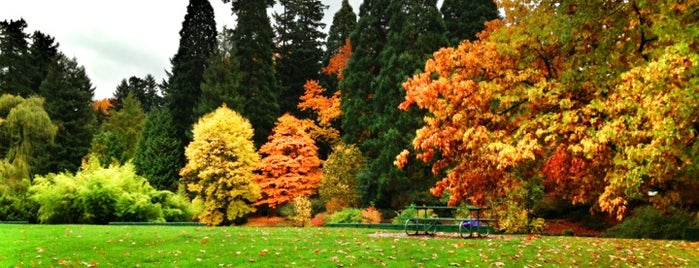 Laurelhurst Park is one of Oregon.