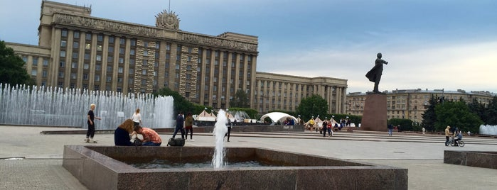 Moscow Square is one of Санкт-Петербург.