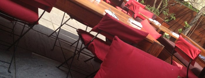 Pure Food and Wine is one of NYC Restaurants With Outdoor Seating.