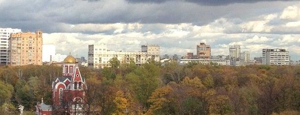 Petrovsky Park is one of Сады и парки Москвы.