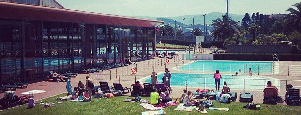 Real Grupo de Cultura Covadonga is one of Porto-Bilbao.