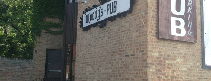 Moody's Pub is one of Chicago Restaurant To-Do List.