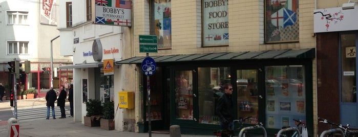 Bobby's Food Store is one of vienna.