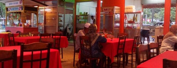 Dataran Lang Cafe is one of Makan @ Utara #12.