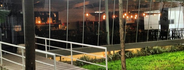 Chez MIS is one of Restaurantes.