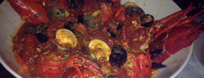 Carmine's Italian Restaurant is one of UWS, NYC.
