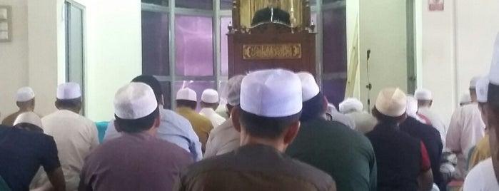 Masjid Kg Kubang Bemban is one of masjid.